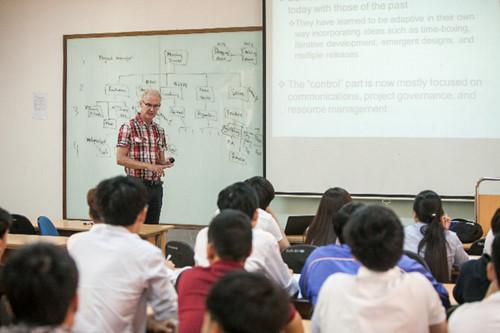 Trao Chứng chỉ CMU, PSU và CSU cho sinh viên Giangvienvachuyengia1_czcn