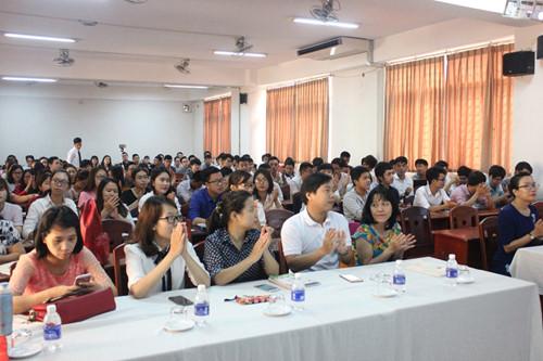 Trao Chứng chỉ CMU, PSU và CSU cho sinh viên Giangvienvasinhvienkhoadaotaoquocte_fucc