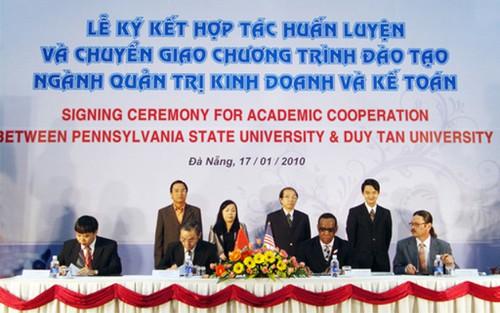 Trao Chứng chỉ CMU, PSU và CSU cho sinh viên Lekyket_hiug
