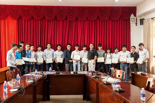 Trao Chứng chỉ CMU, PSU và CSU cho sinh viên Sinhvienchuongtrinhcongnghethongtin_obsg