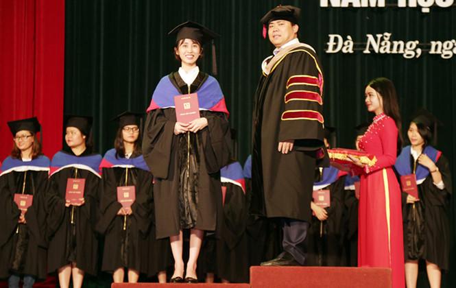 Nhiều sinh viên ĐH Duy Tân tốt nghiệp sớm trong Lễ tốt nghiệp 2017 Dtu-totnghiep1_itii
