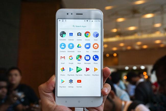 Bước ngoạt mới khi Android One trở lại với Xiaomi Mi A1 12(1)