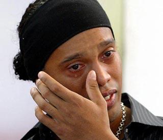 DROGAS Ronaldinho-llora