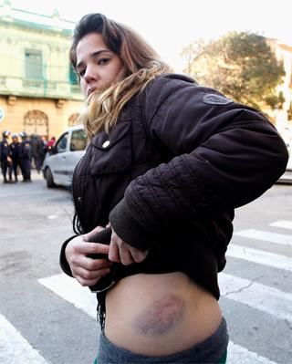 Valencia: carga policial contra estudiantes 1329500727457moraton