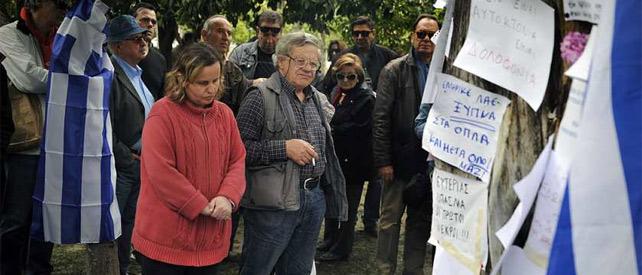 Un hombre de 77 años se suicida ante el parlamento - Página 2 1333707965491grecia