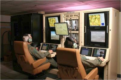 Drones: Usando aviones teledirigidos, EEUU, Israel... matan a miles de personas. 1347566965646pilotos-predator