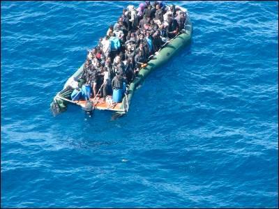 """Dicen que en Cuba... ¿La población cubana """"huye"""" del país?  133201273109920120317-4449441dn"""