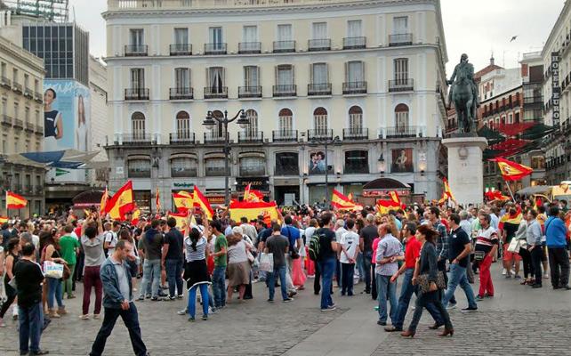 Manifestaciones pro Referéndum vs Monarquía  1402090009256amplia-okc4
