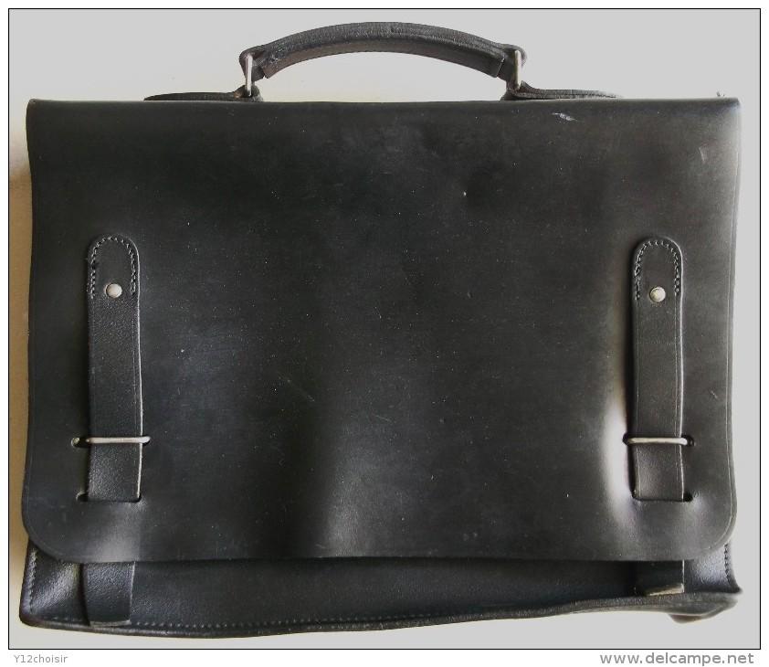 Pour quel sac/cartable/besace/gibecière avez-vous opté pour trimballer votre bazar ? - Page 3 002_001