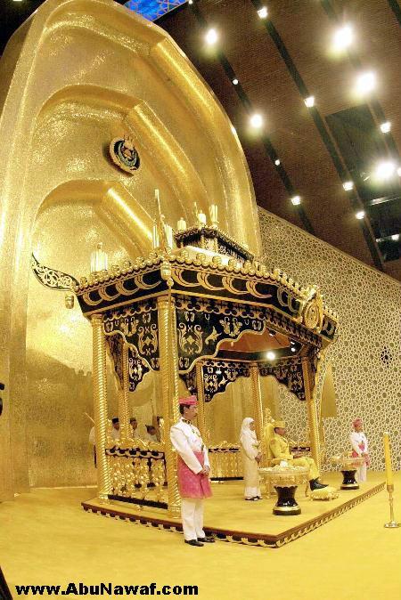 سلطان بروناي ( حسن بلقيه) وثروته الهائلة Brunei12