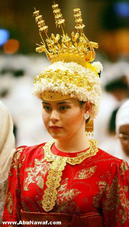 سلطان بروناي ( حسن بلقيه) وثروته الهائلة Brunei17