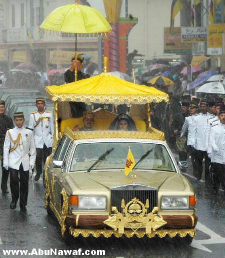سلطان بروناي ( حسن بلقيه) وثروته الهائلة Brunei23