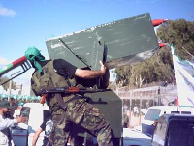 صور عرض عسكري لمجاهدين حماااااااااااااس.......غزة 15