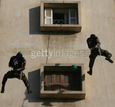 صور عرض عسكري لمجاهدين حماااااااااااااس.......غزة 25