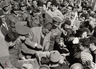 صوراً نادرة للرئيس الراحل جمال عبد الناصر خلال زيارته للمحافظات السورية 5