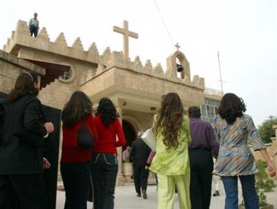 مسيحيو البصرة يحتجون على منع المشربات الكحولية في رمضان 9458239102