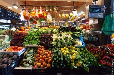 سحر  الالوان  في سوق  بوكيريا  البرشلوني 39013866339