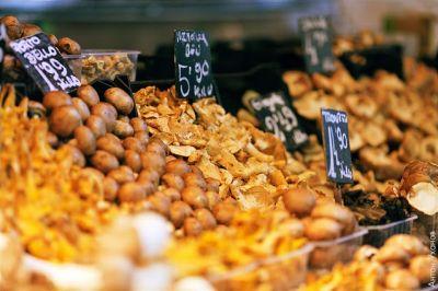 سحر  الالوان  في سوق  بوكيريا  البرشلوني 39013866345
