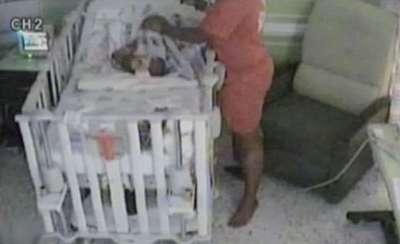 ام تحاول قتل طفلها (بالصور) 3909761496