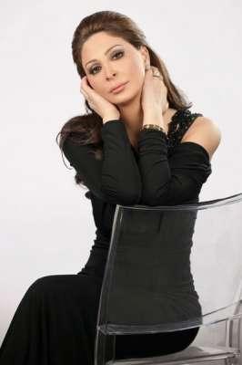 صور..الفنانات يتألقن بللون الاسود 3909765611