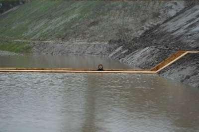 جسر : ليس فوق الماء ولا تحتها.. بل يقسمها إلى نصفين 3909777107