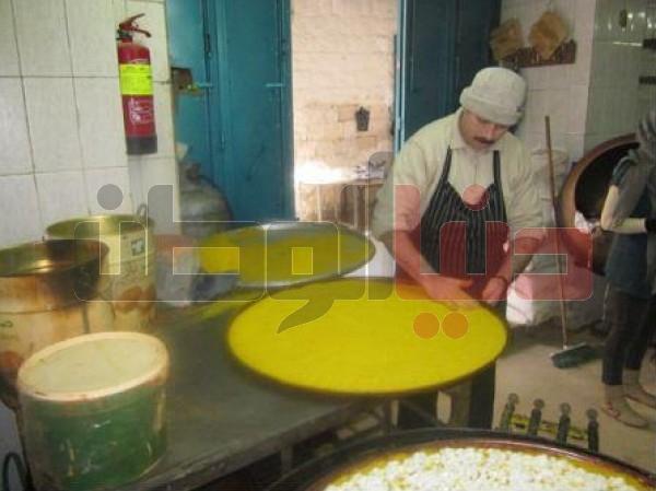 """أقدم محل لصناعة """"الكنافة النابلسية"""" الأكلة الشعبية العريقة..طريقة تحضيرها..ولماذا يعشقها الناس ؟ 3909874114"""