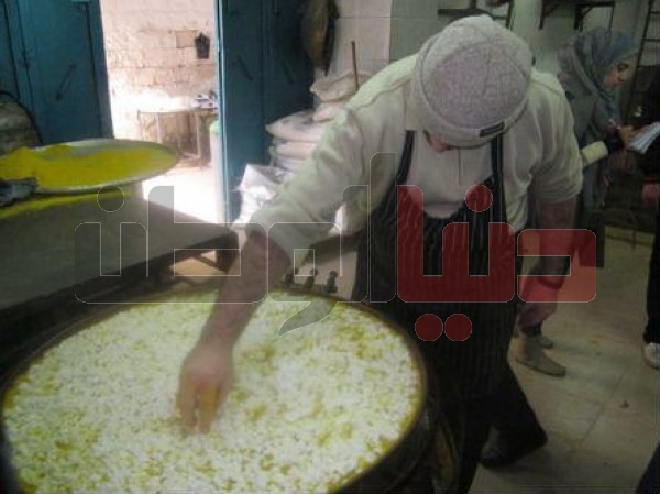 """أقدم محل لصناعة """"الكنافة النابلسية"""" الأكلة الشعبية العريقة..طريقة تحضيرها..ولماذا يعشقها الناس ؟ 3909874117"""