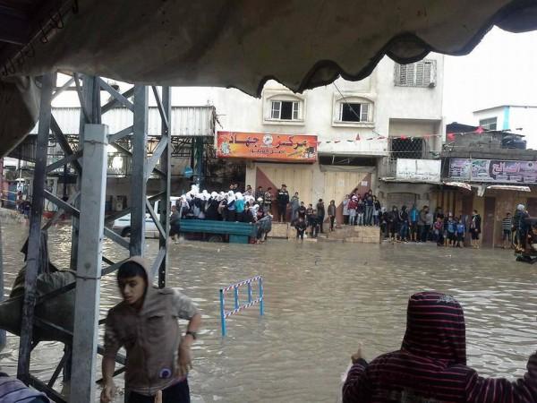 الامطار تغرق البلاد 5-12-2013 3910049287