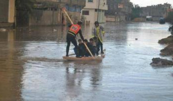 الامطار تغرق البلاد 5-12-2013 3910049342