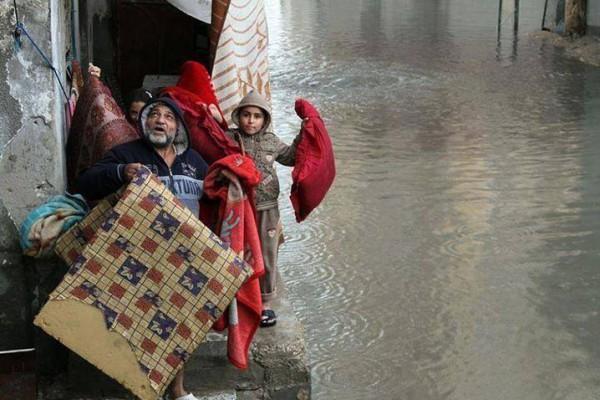 الامطار تغرق البلاد 5-12-2013 3910049347