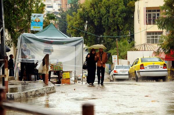 الامطار على قطاع غزة هذا اليوم 4/11/2014 3910277724