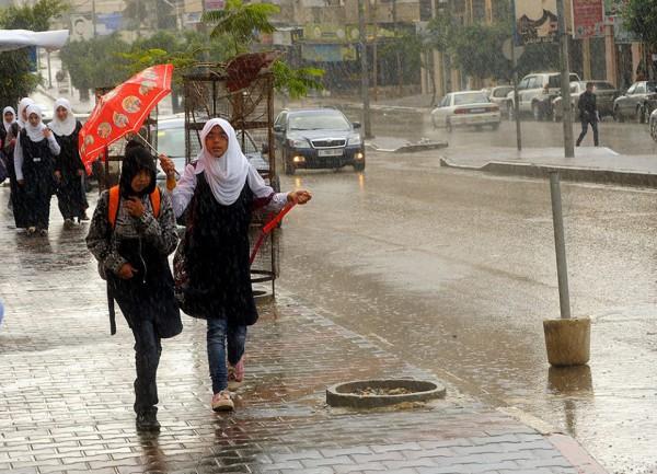 الامطار على قطاع غزة هذا اليوم 4/11/2014 3910277725