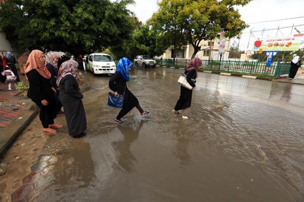 الامطار على قطاع غزة هذا اليوم 4/11/2014 3910277726