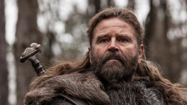 Nueva serie de televisión a estrenar: The Last Kingdom TLK_Earl-Ragnar-600x338