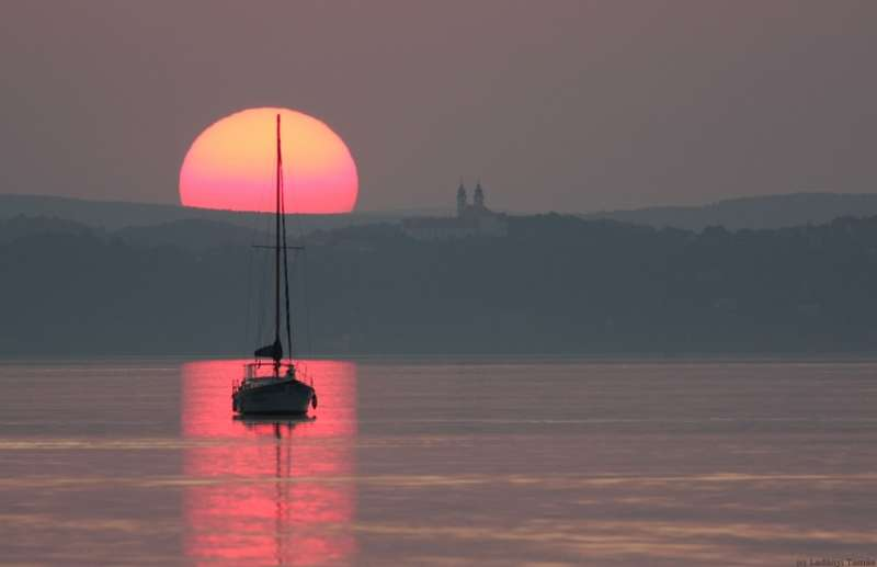 Zalazak sunca-Nebo - Page 8 Equinox_090922_ladanyi900
