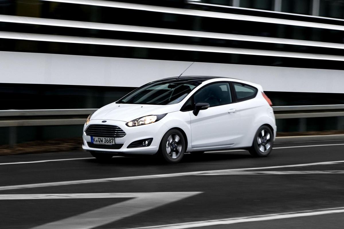2017 - [Ford] Fiesta MkVII  - Page 10 114583-ford-fiesta-ka-black-white-7