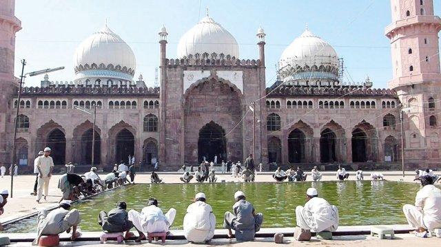 مساجد في آسيا تحف معمارية عصرية 2097908764