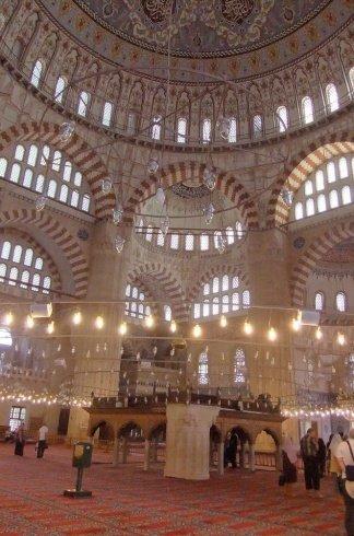مساجد في آسيا تحف معمارية عصرية 2120004155