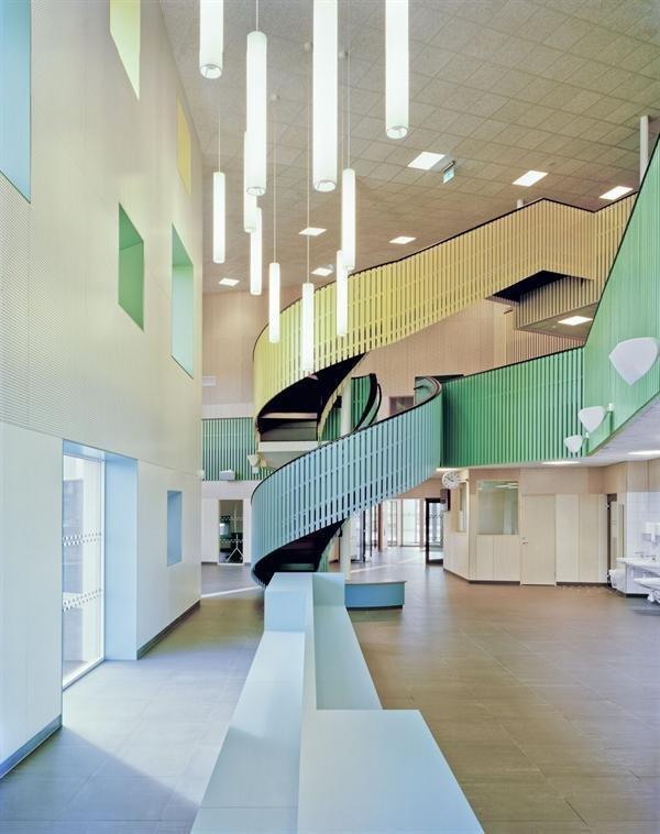 أجمل 10 مدارس في العالم 1574879769