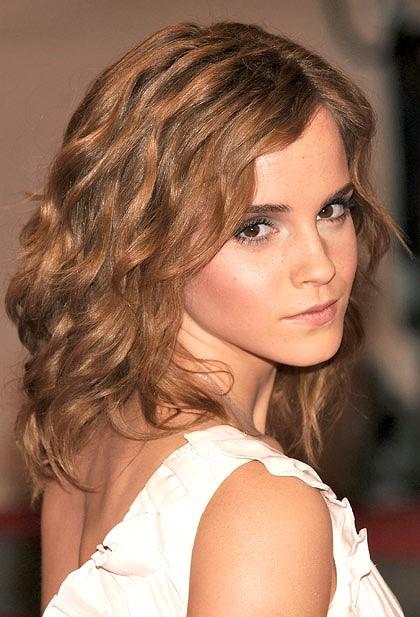 Quelques photos de l'actrice... - Page 6 Emma_watson_420-420x0