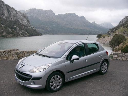 PEUG 201 HOT CAB S1-Peugeot-207-Elle-va-faire-un-malheur-9259