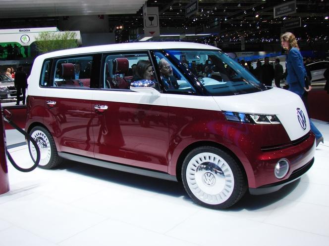 Vw Bulli, la nostalgie du combi S1-Le-Volkswagen-Bulli-en-direct-de-Geneve-le-Combi-du-futur-215591