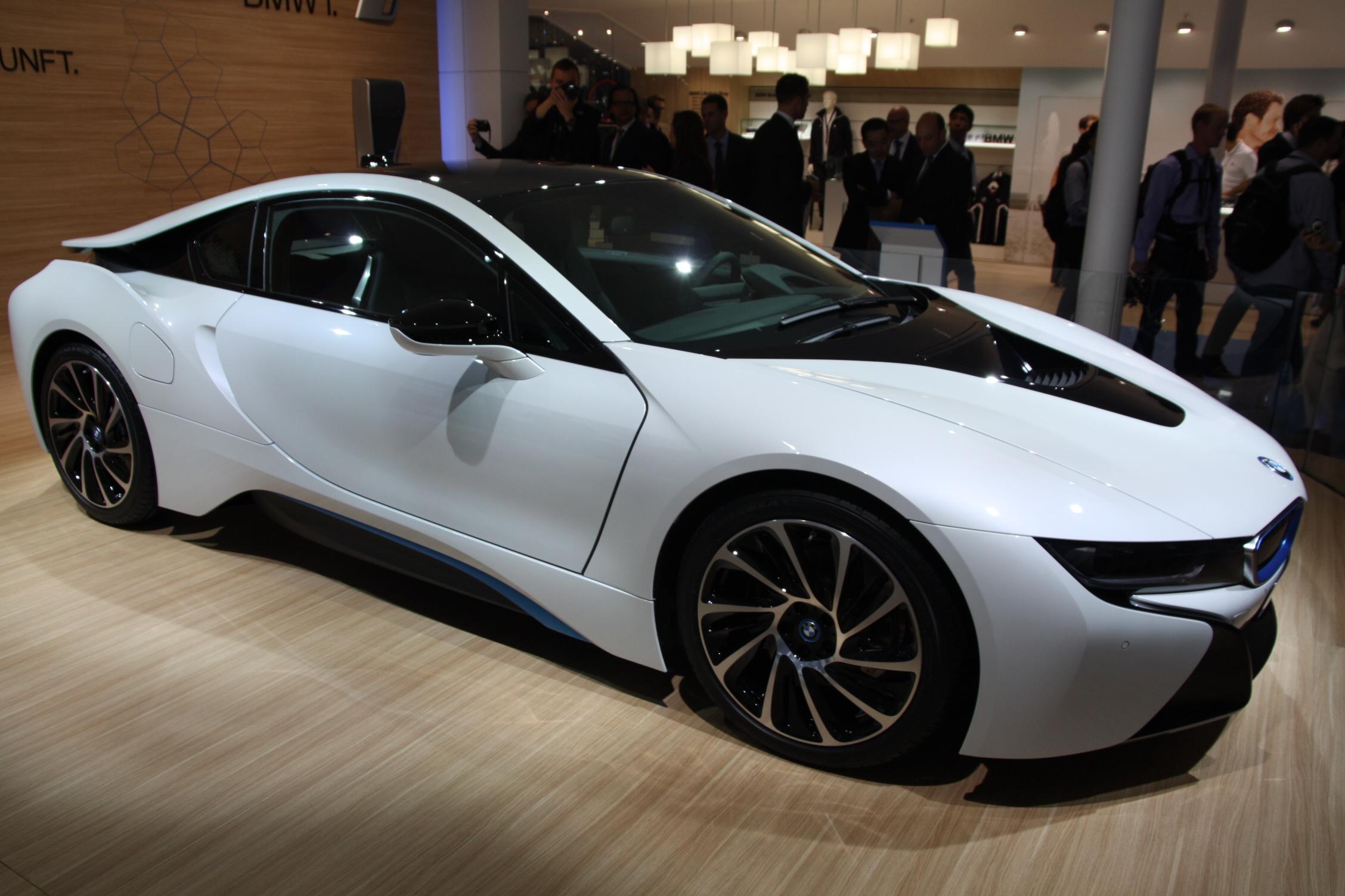 2013 - [BMW] i8 [i12] - Page 13 S0-En-direct-du-salon-de-Francfort-2013-BMW-i8-a-partir-de-126-000-EUR-302072