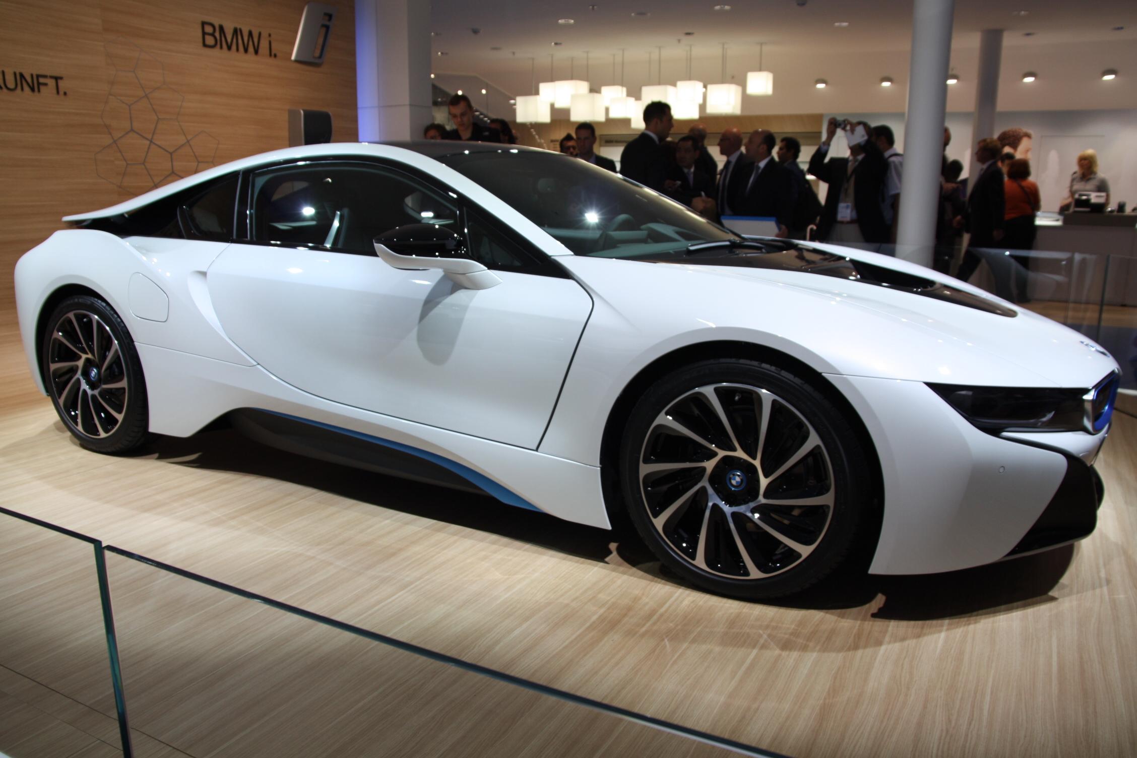 2013 - [BMW] i8 [i12] - Page 13 S0-En-direct-du-salon-de-Francfort-2013-BMW-i8-a-partir-de-126-000-EUR-302073