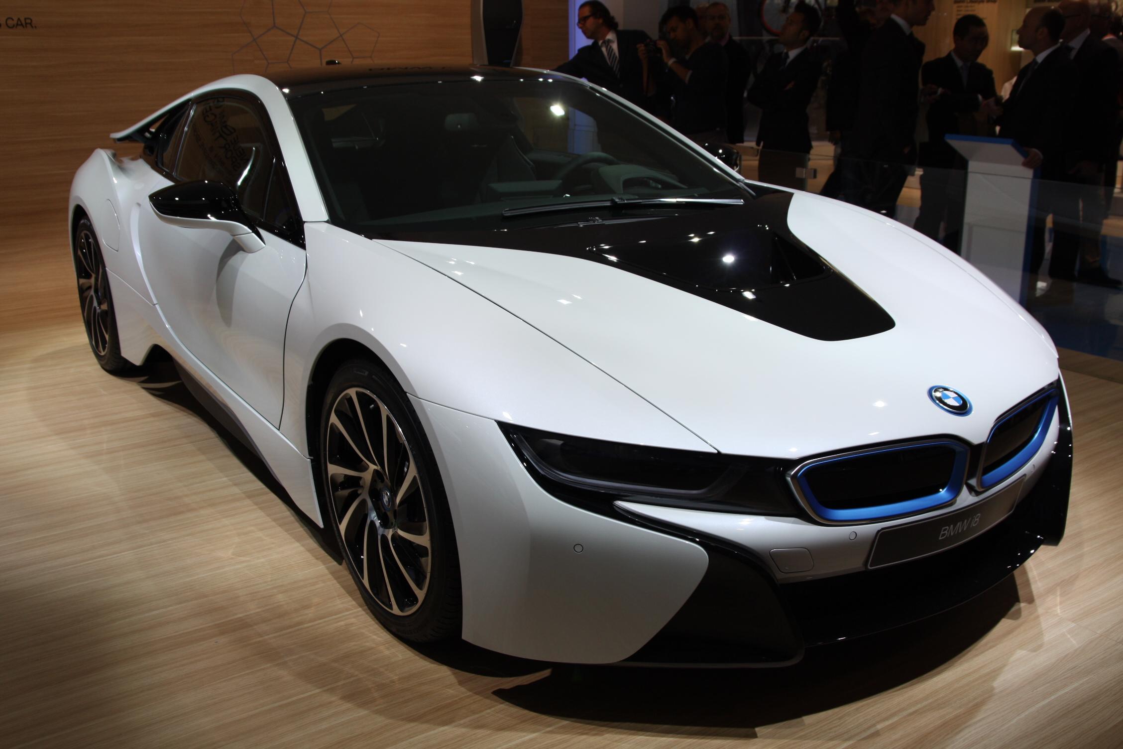 2013 - [BMW] i8 [i12] - Page 13 S0-En-direct-du-salon-de-Francfort-2013-BMW-i8-a-partir-de-126-000-EUR-302074