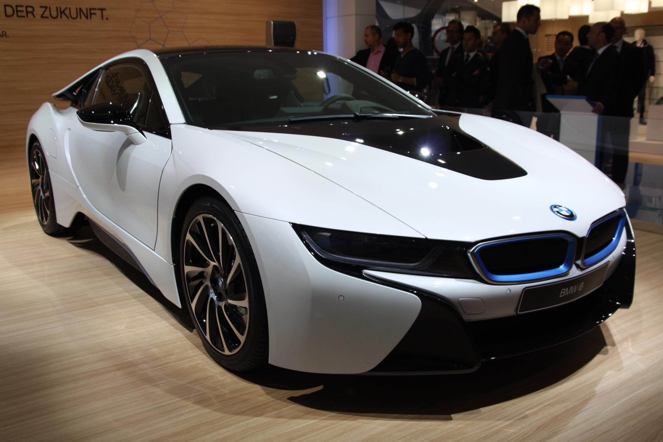 2013 - [BMW] i8 [i12] - Page 13 S0-En-direct-du-salon-de-Francfort-2013-BMW-i8-a-partir-de-126-000-EUR-302075