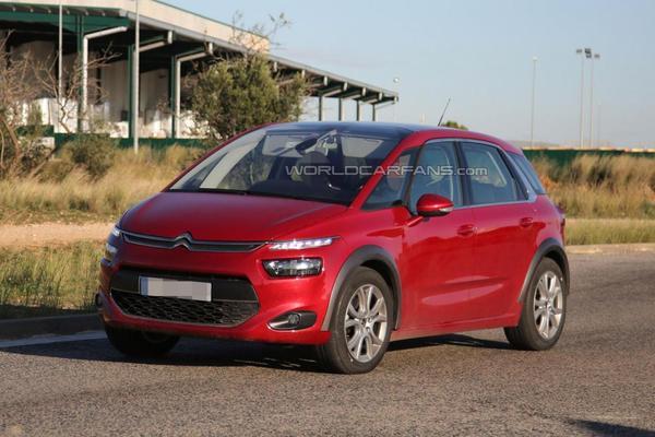 [INFORMATION] Citroën/DS Europe - Les News - Page 2 S7-Surprise-un-Citroen-C4-Picasso-Cross-dans-les-tuyaux-Ou-tout-autre-chose-339441