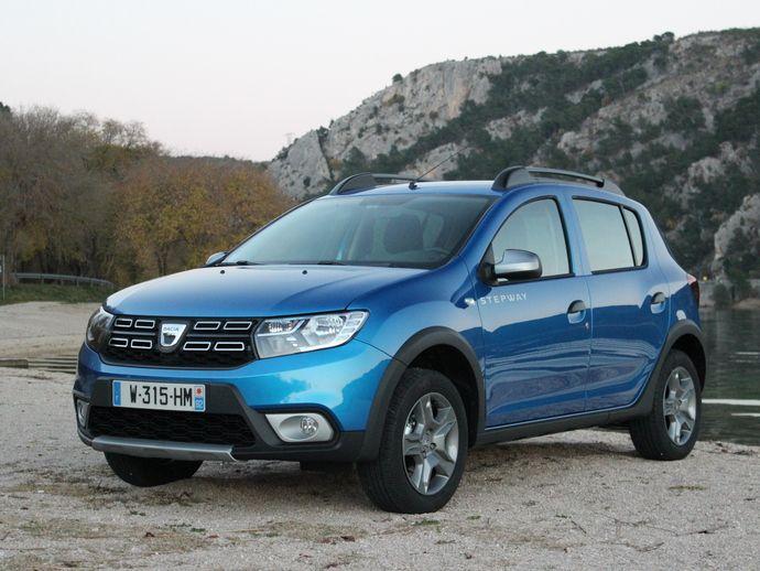 2014 - [Citroën] C3-XR (Chine) S7-modele--dacia-sandero-2-stepway