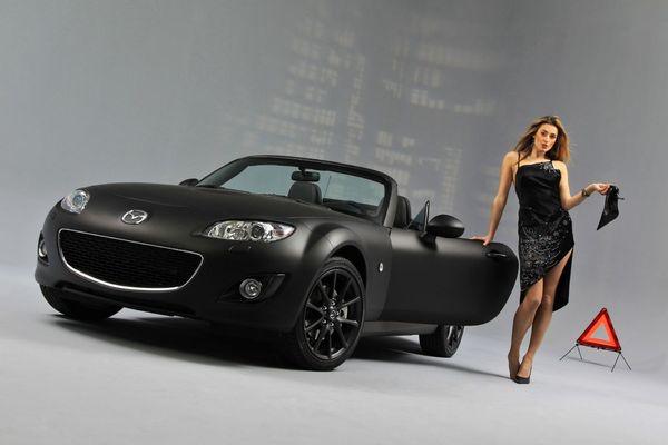 bon anniversaire stéphane (max59) S7-Mazda-MX-5-Black-Mat-nouvelle-robe-d-anniversaire-39867