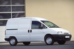 Utilitaire pour transport moto/matos - Page 3 S5-JUMPY-FOURGON-FILE-photo32173-37256